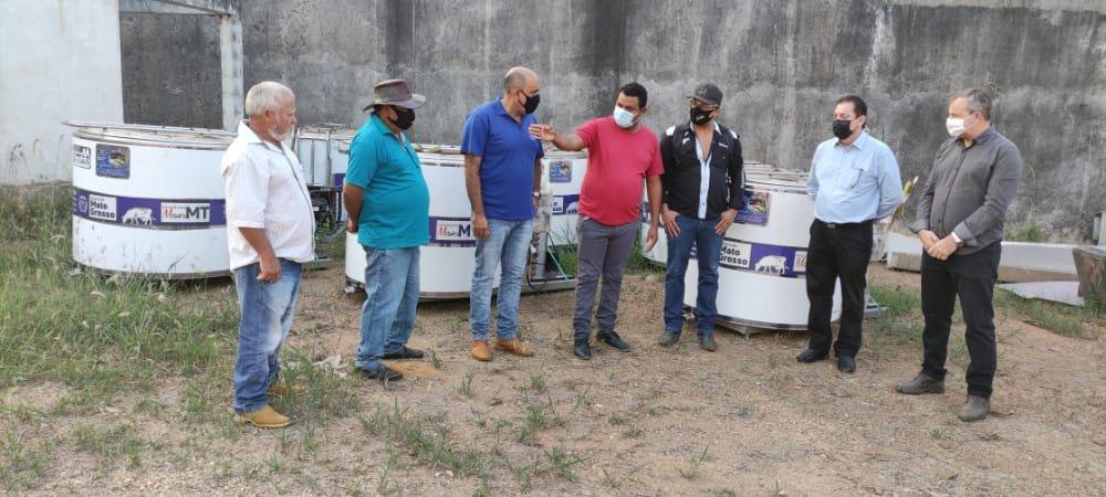 Deputado Sebastião Rezende entrega resfriadores de leite em Colniza