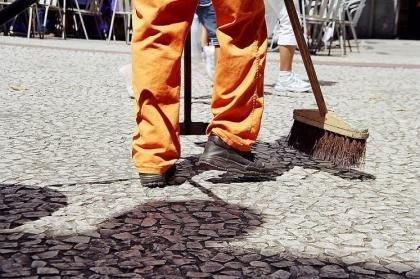 Vereador Nicodemo solicita materiais de proteção para os garis, em Colniza