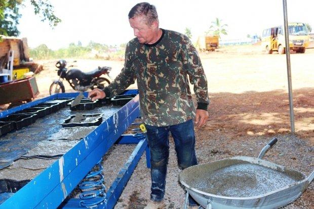 Secretaria de Obras monta fabrica de paver, gera economia para o município e cria novos empregos