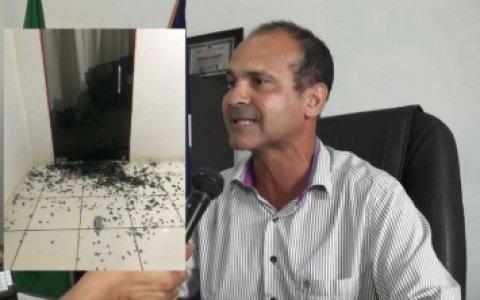 Prefeito sofre atentado a tiros dentro de casa em cidade de MT