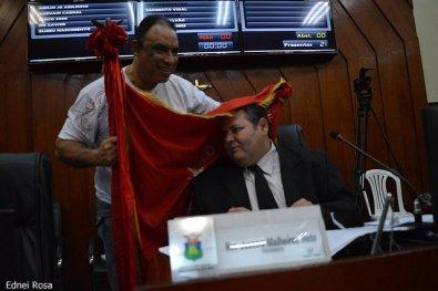 Câmara rasga Lei e aprova autorização para presidente ser reeleito em Cuiabá