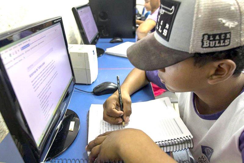MP recomenda aulas virtuais em escolas que possuem recursos tecnológicos