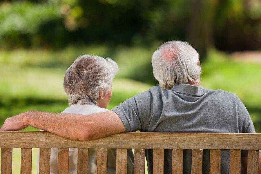 Quase 60% dos deputados eleitos se dizem a favor de idade mínima para aposentadoria