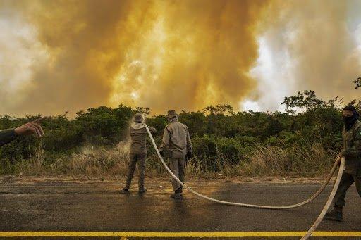 Incêndio ameaça hotel no Pantanal
