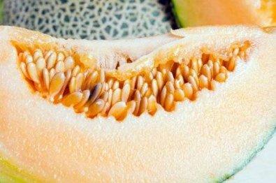 Três morrem ao comer melão com bactéria