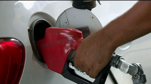 Ministro da Fazenda diz analisar mudança em tributação sobre combustíveis
