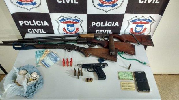 Durante operação Polícia Civil prende sete pessoas e quatro armas de fogo