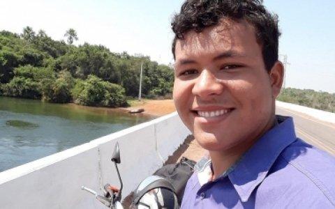 Jovem foge de moto da polícia e morre após se envolver em acidente em Castanheira, diz PM