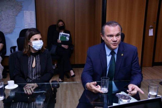 Wellington anuncia liberação de R$ 10 milhões para obras na UFR