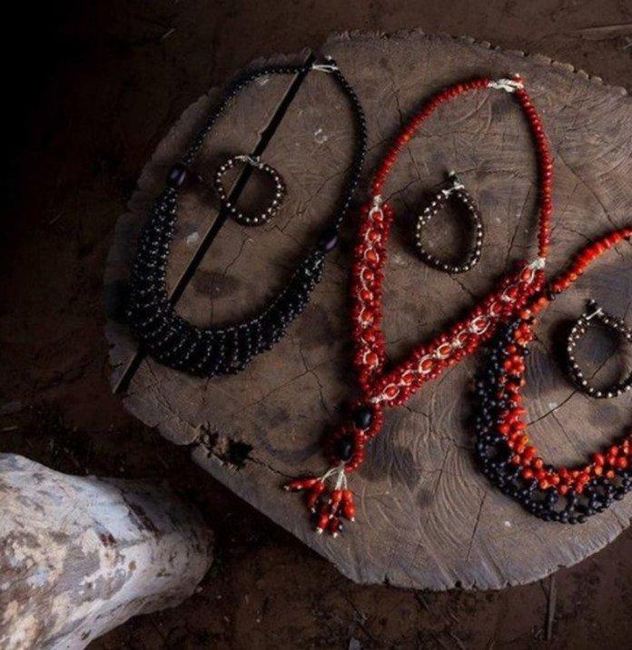 Indígenas passam a usar a internet para vender biojoias e artes produzidas por eles nas aldeias de MT