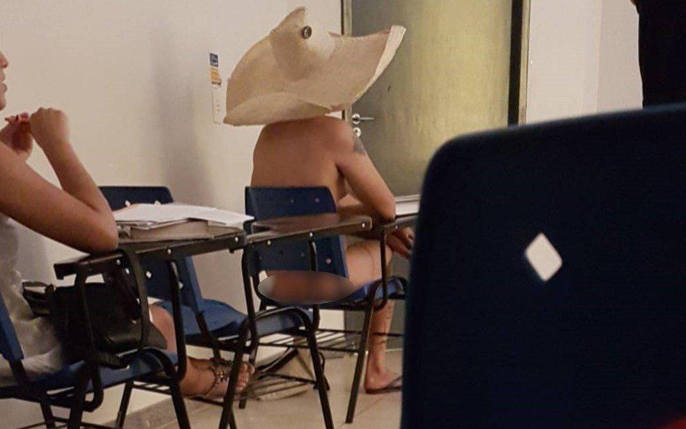 Estudante assiste à aula pelado na UFG e causa polêmica