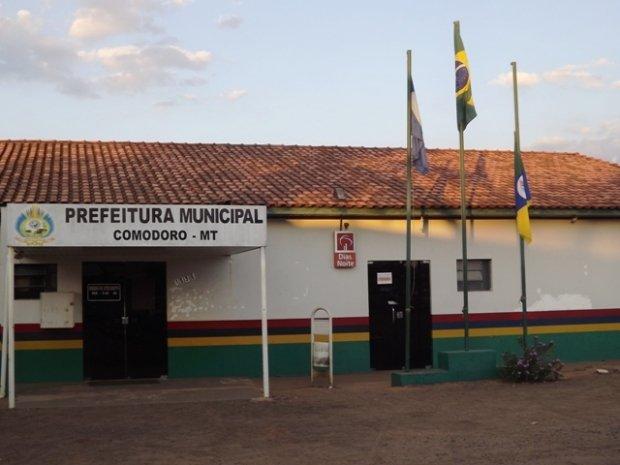 Justiça determina indisponibilidade de bens de prefeito de Comodoro, secretárias e empresários