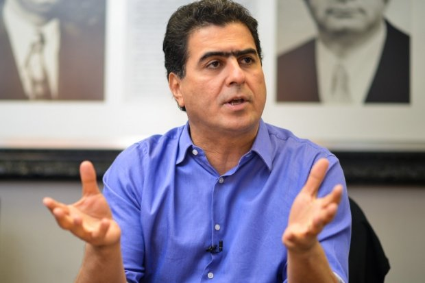 Ministério Público denuncia prefeito por receber salário de R$ 48,6 mil