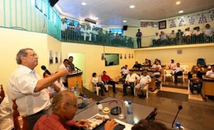Jayme diz que governo penaliza os municípios