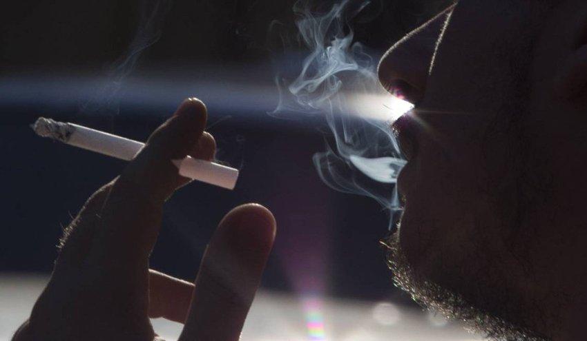 Brasil reduz em 44,6% número de fumantes passivos no trabalho