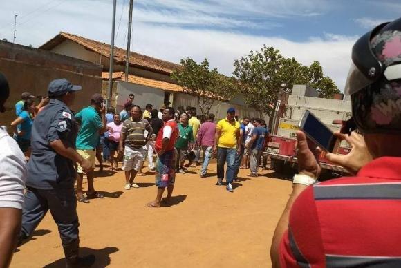 Quatro crianças e uma professora morrem queimadas por vigia de creche em Minas