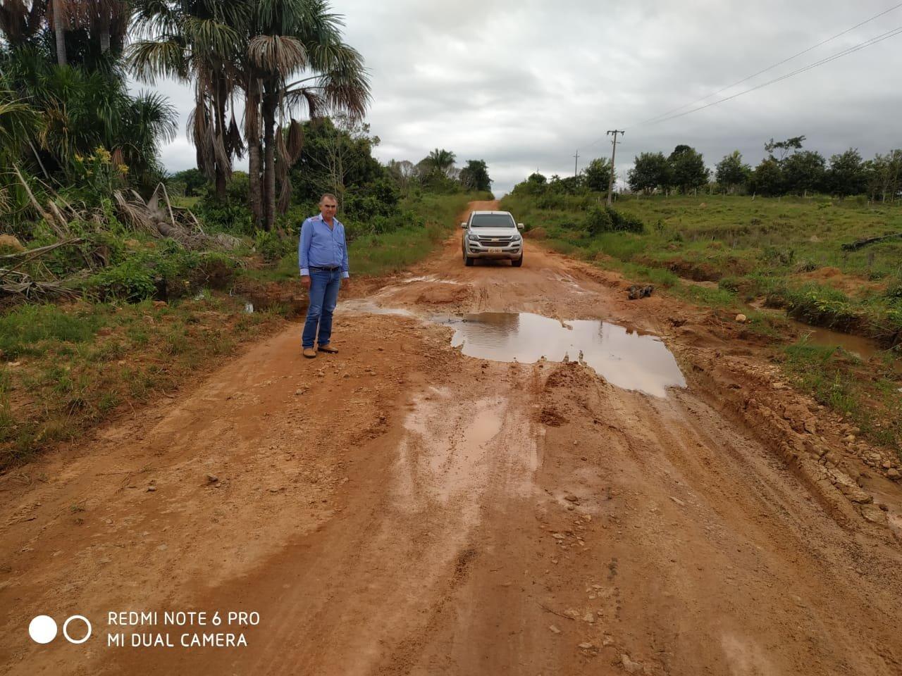 Vereador Nicodemo solicita que seja realizado o patrolamento, cascalhamento e reparos em bueiros no Assentamento Capa Mansa