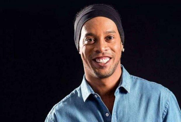 Ronaldinho Gaúcho vai se 'casar' com suas duas mulheres