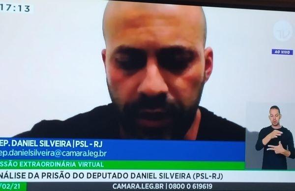 Em discurso na Câmara, Silveira diz que se excedeu ao atacar STF e pede desculpas