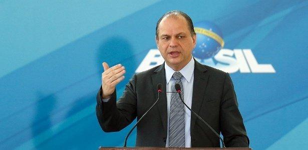 Ministro da Saúde nega risco de falta de vacina contra febre amarela
