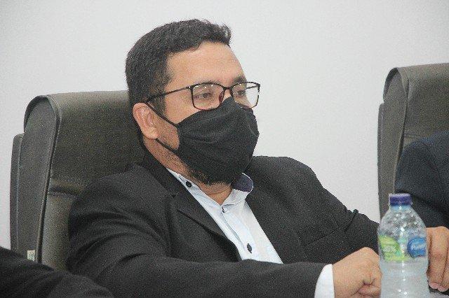 Vereador Ferreira solicita a aquisição de medicamentos para o enfrentamento da COVID 19 em Colniza