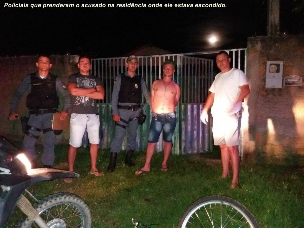 """""""Rixa"""" - Jovem é morto a golpes de facão em praça publica de Cotriguaçu (Fotos)"""