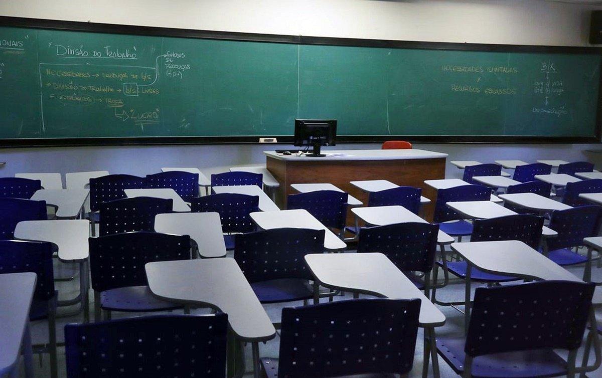 Novo calendário escolar prevê retorno às aulas presenciais em 1º de fevereiro de 2021