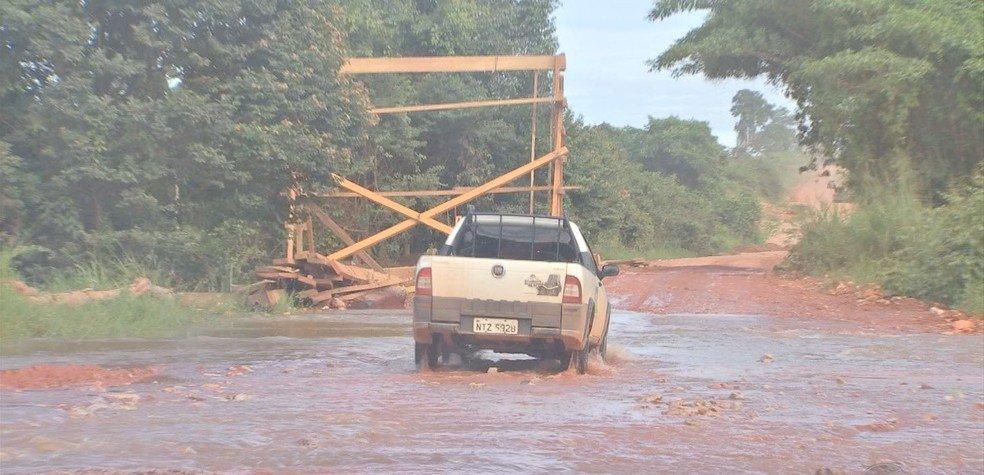 Moradores reclamam de precariedade da BR 174 durante período de chuva em MT