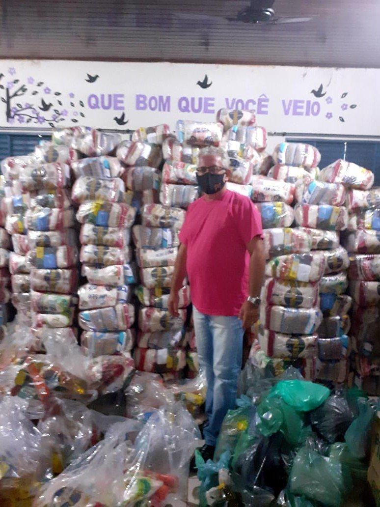 Vereador Marcos Ceccon visita Secretaria de Ação Social, para saber como está sendo feito a distribuição de cestas básicas