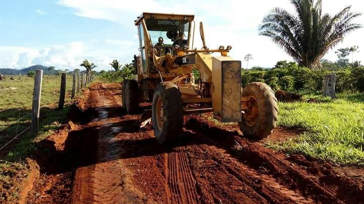 Prefeitura de Colniza realiza recuperação de estradas vicinais no Assentamento Capa