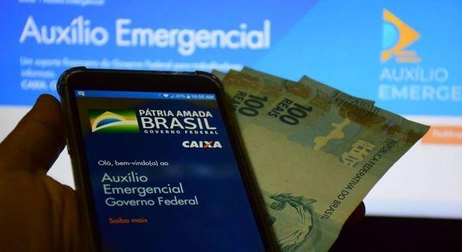 Prazo para contestar auxílio de R$ 300 negado termina nesta 2ª (9)