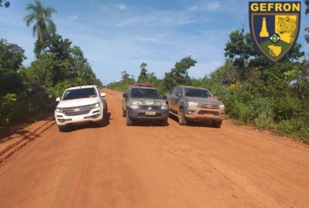 Trio cacerense é preso ao tentar levar caminhonetes roubadas em Cuiabá para a Bolívia