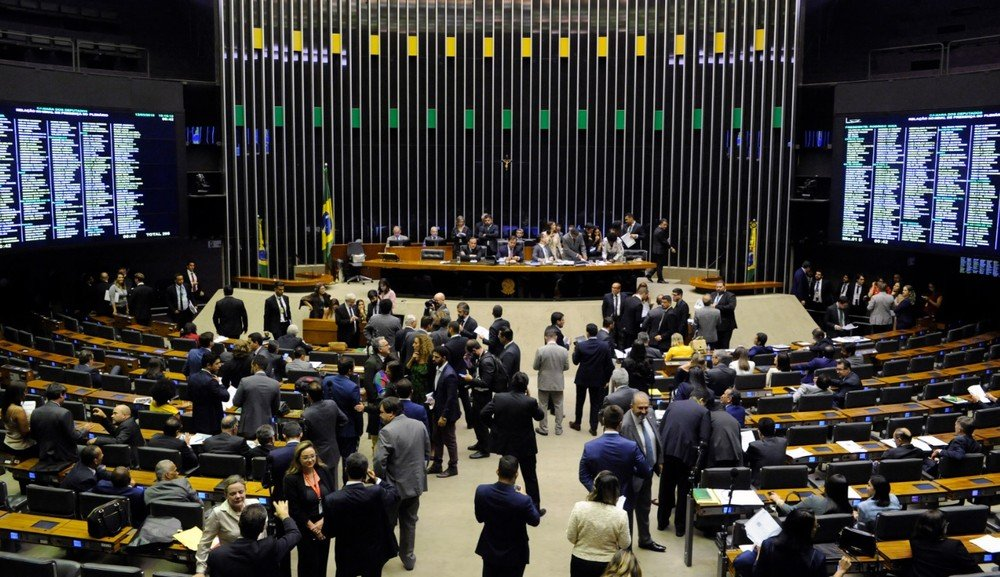 Câmara dá urgência a proposta que revoga Lei de Licitações e cria novo marco legal