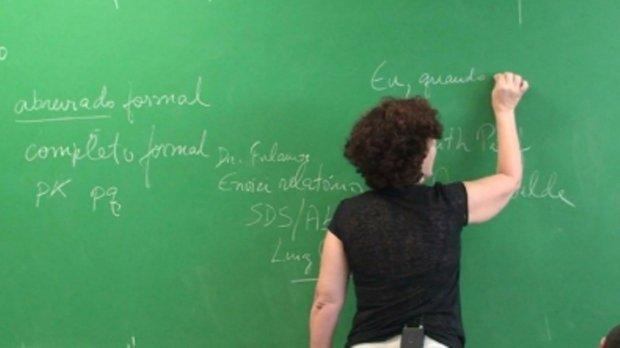 Professora é internada após envenenamento em escola de MT