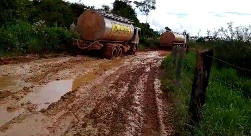 Dnit proíbe trânsito de veículos pesados em trecho da BR-174 sem pavimentação e com atoleiros entre Colniza e Castanheira