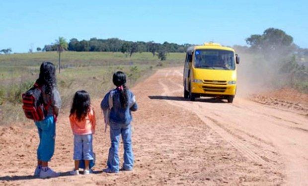 Ação do MPMT requer regularização do transporte escolar