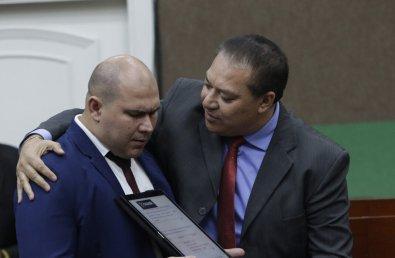 """Vereador denuncia presidente de comissão por chamá-lo de """"perebento"""" e """"endemoniado"""""""