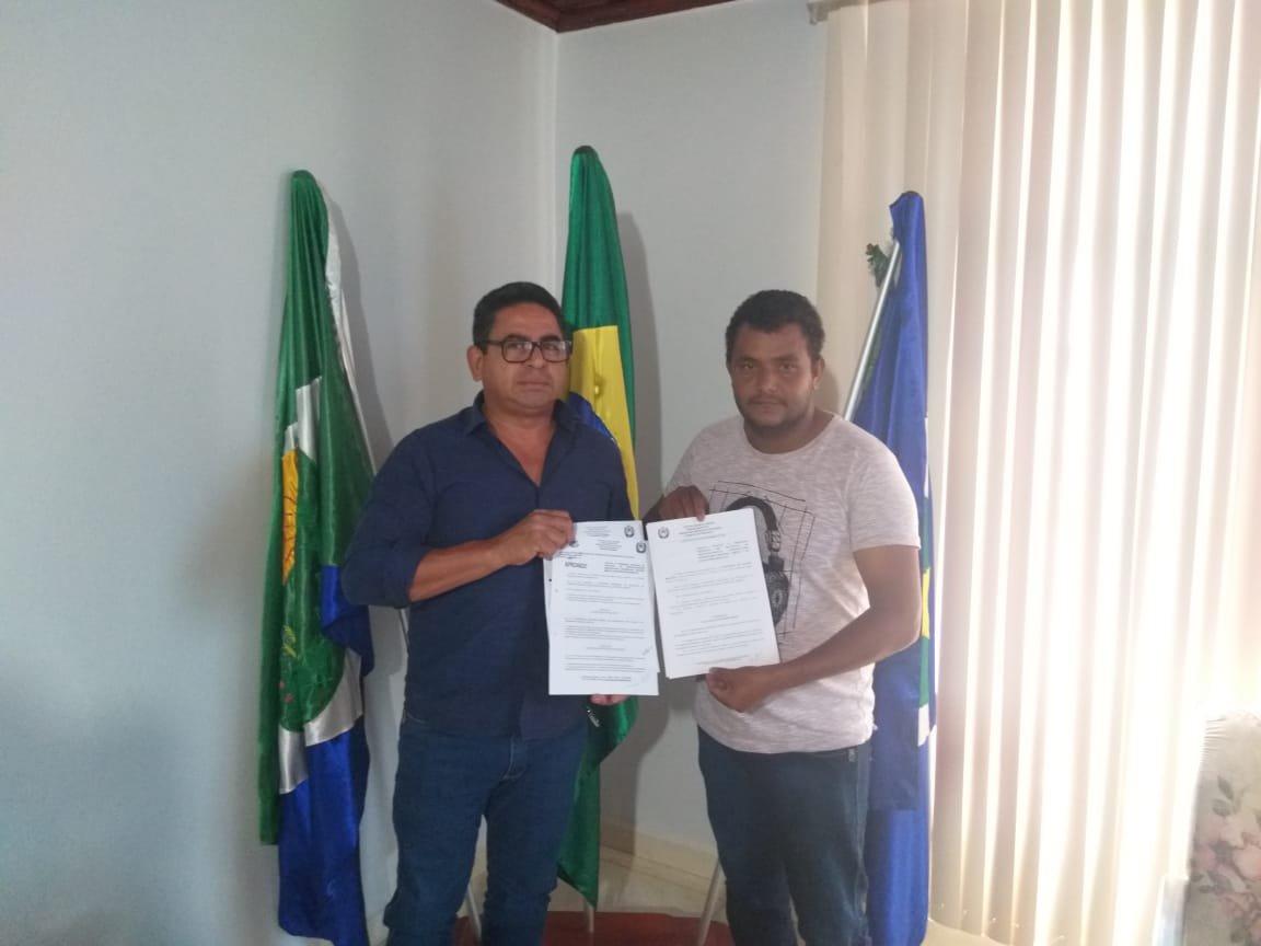 Agora é lei: Prefeito de Colniza sanciona projeto lei de autoria do vereador Oseia criando o Porteira Aberta