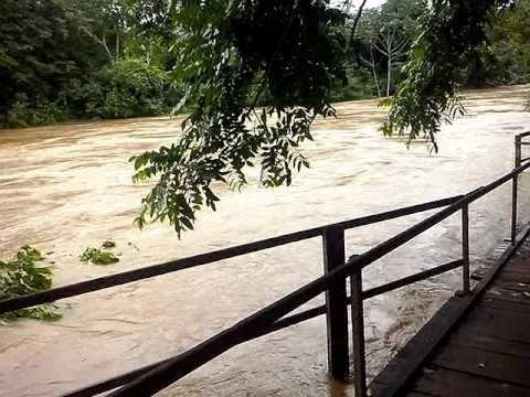 Nível de rio sobe e prefeitura decreta situação de emergência
