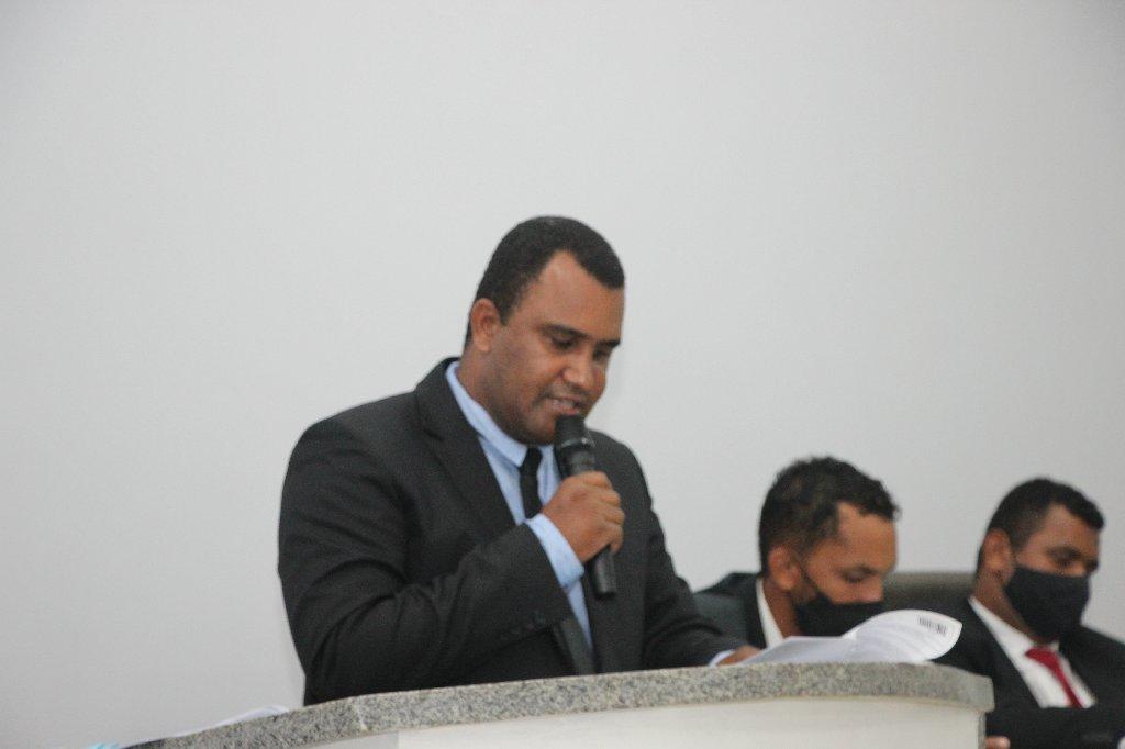 Vereador apresenta projeto de lei que reconhece igrejas como atividades essências no município