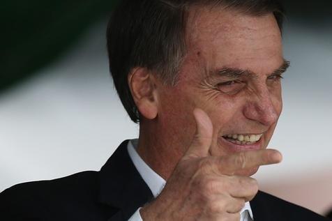 Decreto de Bolsonaro flexibiliza armas para crianças e adolescentes