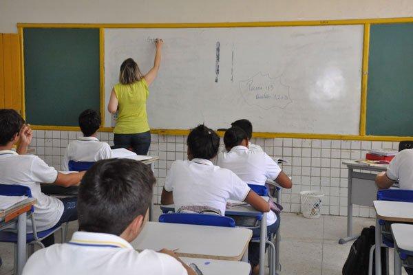 Professores apontam dificuldades na implementação da BNCC