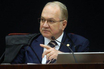 """Ministro """"desce"""" ação contra senador de MT para a 1ª instância"""