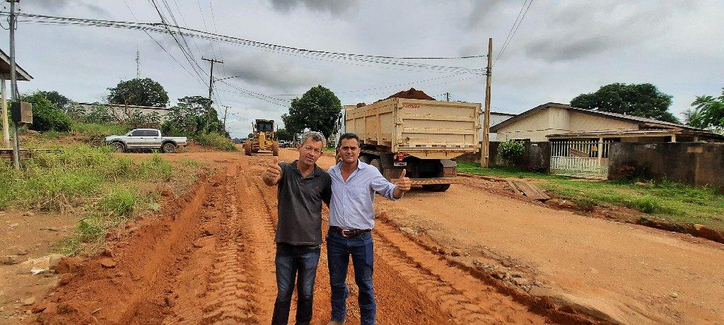 Novo secretario de obras de Colniza, da início nos trabalhos de melhorias das estradas do município