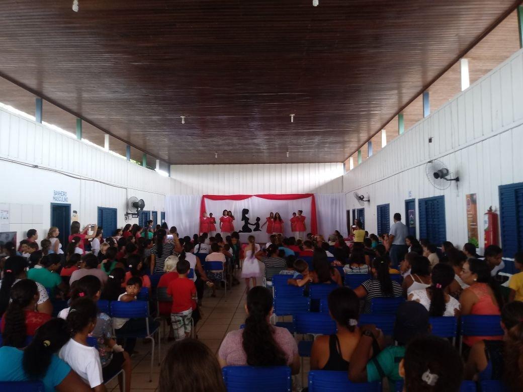 Escola Raquel de Queiroz em Colniza realiza Comemoração do dia das mães