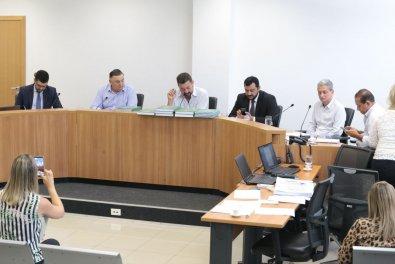 CPI constata desvios de R$ 500 mi da Educação de MT; deputado admite até prisão de Taques