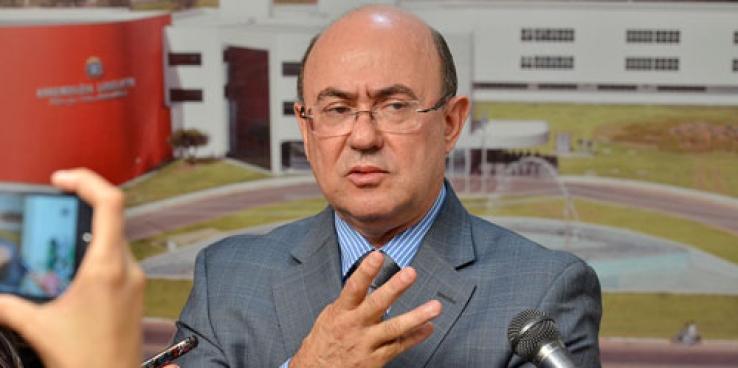 """Prisão de Riva tira da vida pública um dos políticos influentes e abre brecha a """"novos"""""""