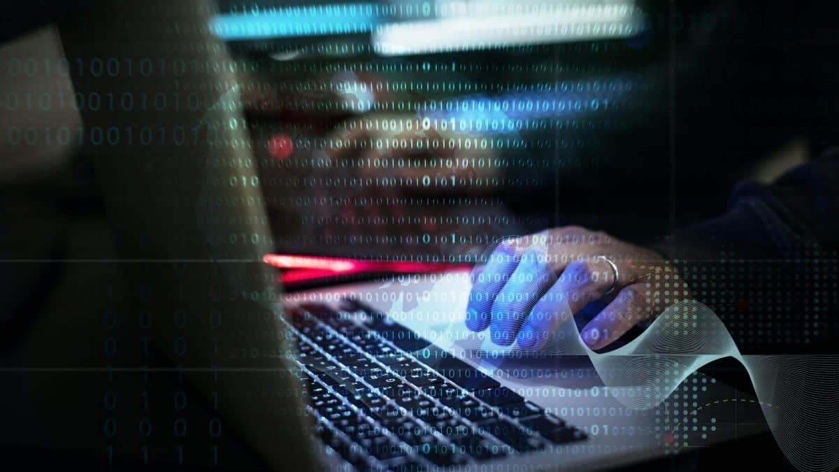 Polícia prende hacker de 17 anos suspeito de mega-ataque ao Twitter