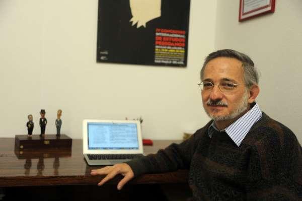 Professor encontra anúncios de livro nunca publicado de Machado de Assis