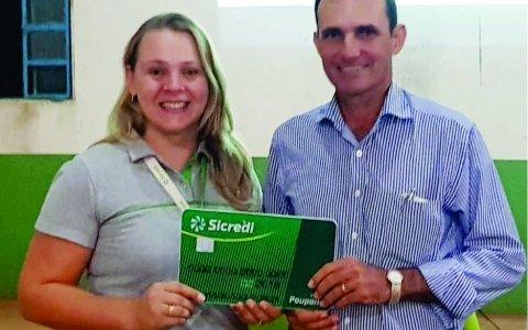 18 associados da Sicredi Univales são premiados na campanha promocional Eu Poupo Sim